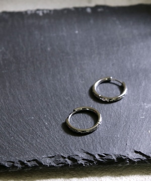 Y1901STP01P【YArKA/ヤーカ】stainless series pilamid circle pierce/ステンレス ピラミッド模様サークルピアス