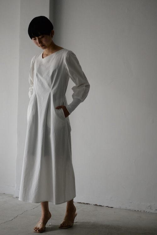 ROOM211 / Dump Sleeve Wave Dress (white)