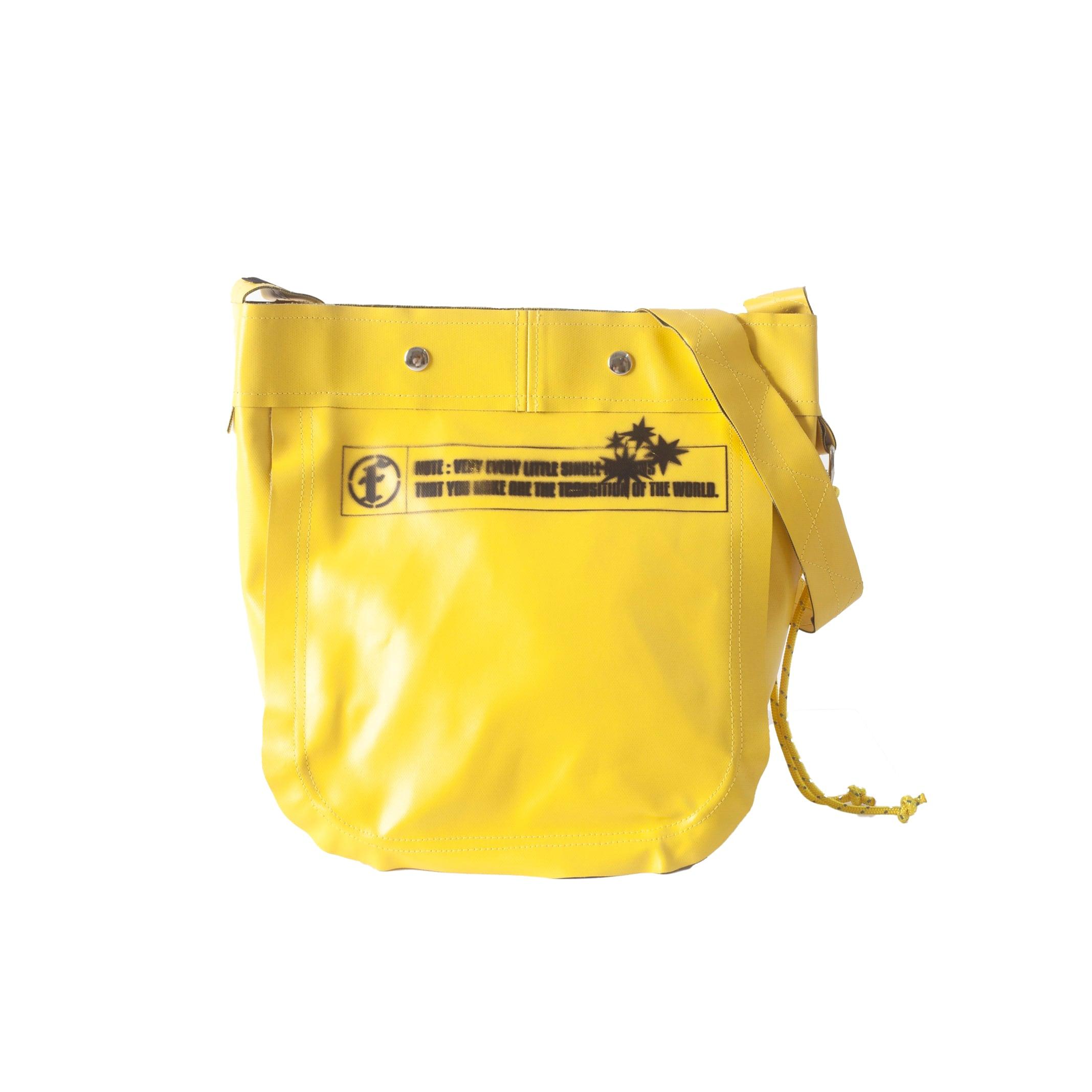 PVC CANVAS SMALL SHOULDER BAG / YELLOW GREEN - 画像1