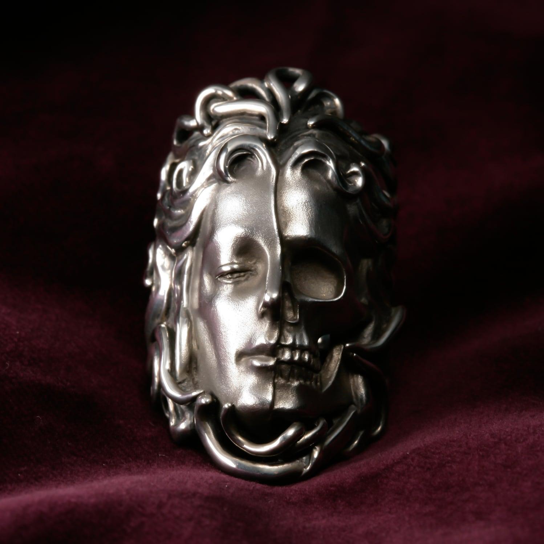Moment of ecstasy and the death Double-faced cloth of Venus Medusa and Skull 『恍惚と死の瞬間』 美の女神メドゥーサとスカルのダブルフェイス