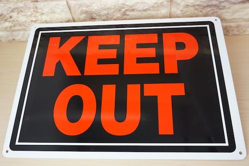 アルミ看板(KEEP OUT)