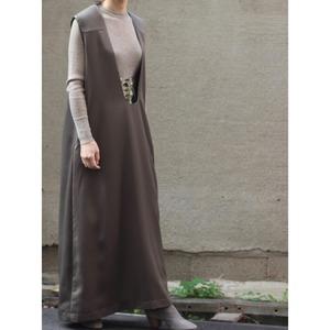 Deep u neck dress / khaki