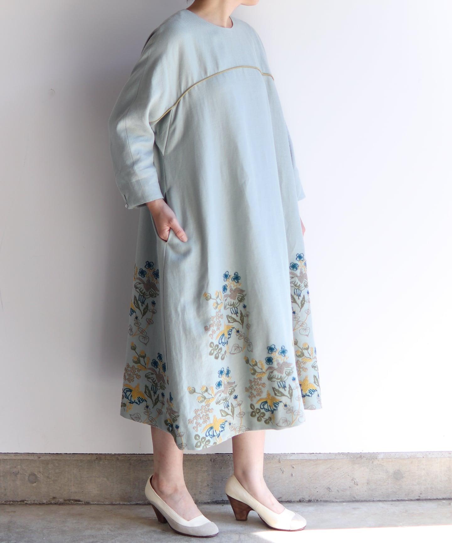 フクシア刺繍のワンピースドレス(muc603)