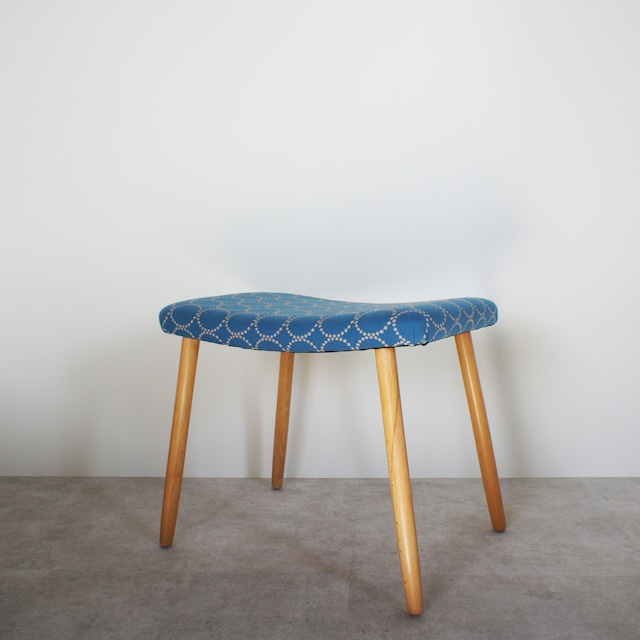 Foot stool / CH042
