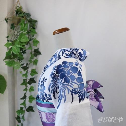 綿紅梅浴衣 白地に藍の花 浜松本染