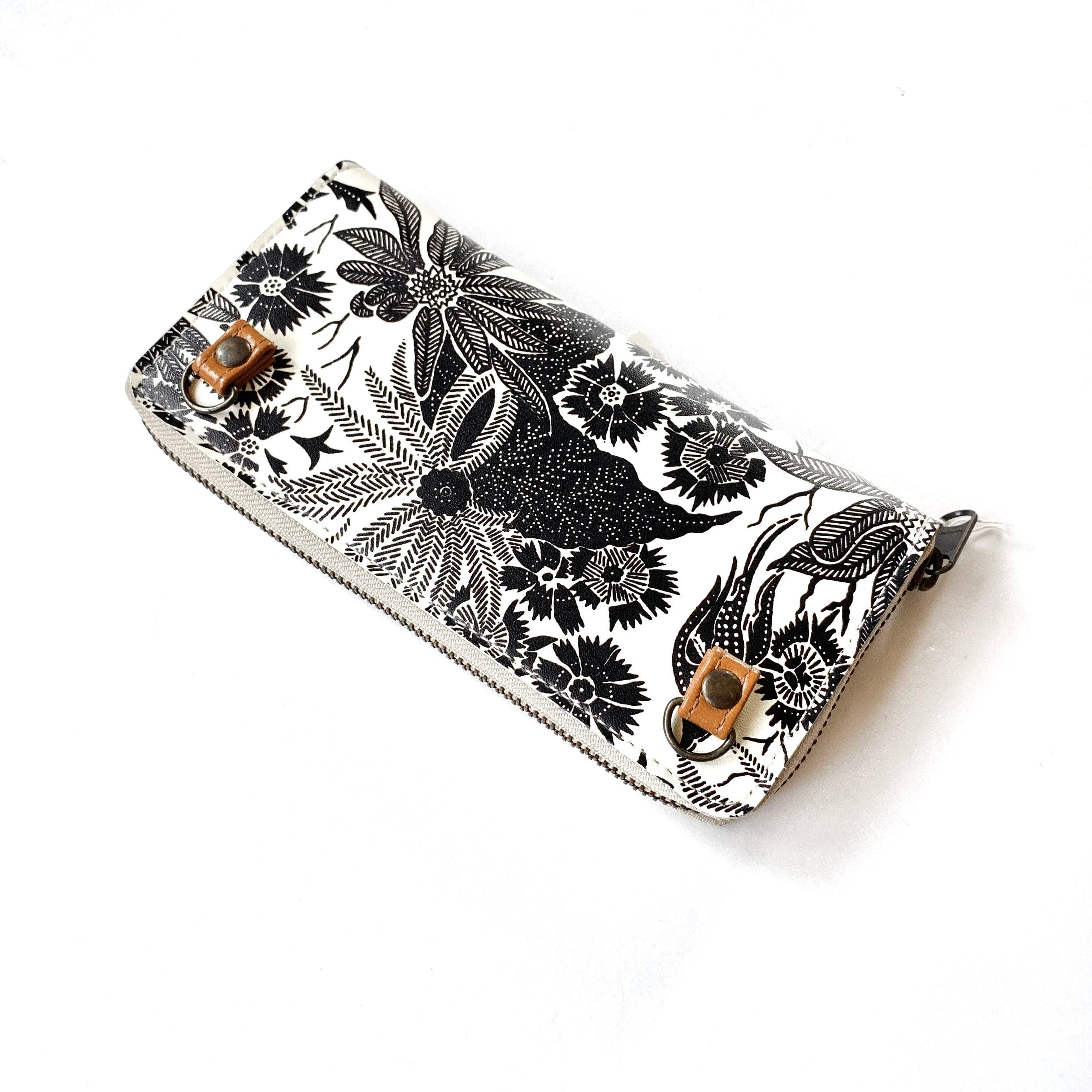 【ハシモト産業 x pink india】欧デザイン ストラップホルダー付牛革ラウンド財布   paradise black