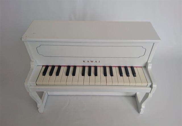 [中古]Kawai トイピアノ 白 アップライト型 32鍵盤