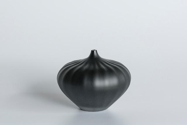 decorative vase no.9 / qualia-glassworks