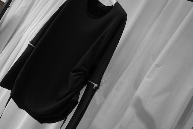 ASKYY / Removable sleeves pullover / BLK