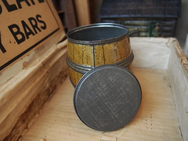 アンティーク 樽型の缶