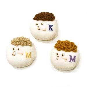 miii 人間イニシャルブローチ(K・M)