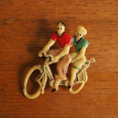 ベークライトのブローチ 自転車