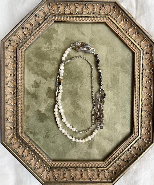 CERVA Original Odd Pearl Necklace