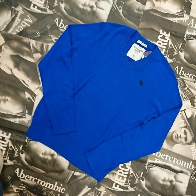 Abercrombie&FitchメンズVネックセーターXSサイズ