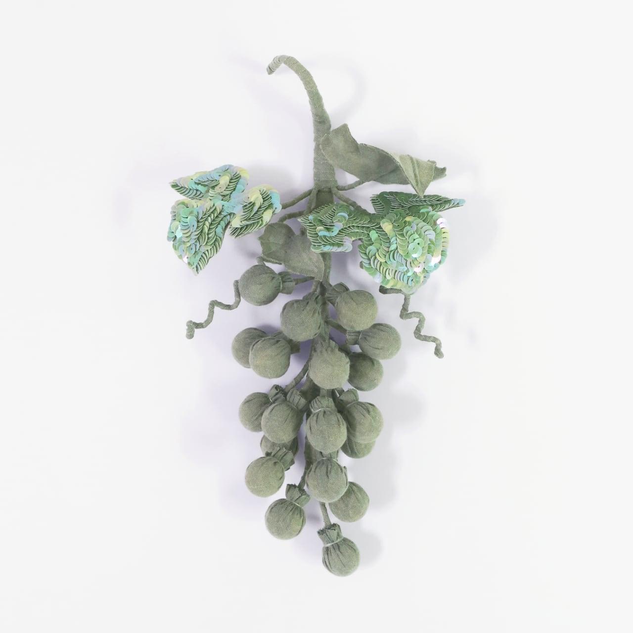 受注制/藍染/泥染/刺繍/葡萄のブローチ/B-6_GN