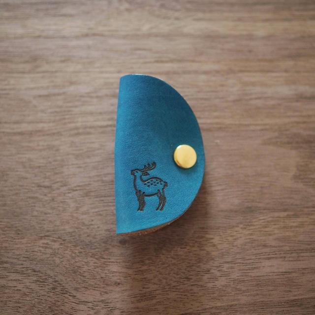 半月コードクリップ(瑠璃色 / RURI IRO)鹿のロゴマーク入り