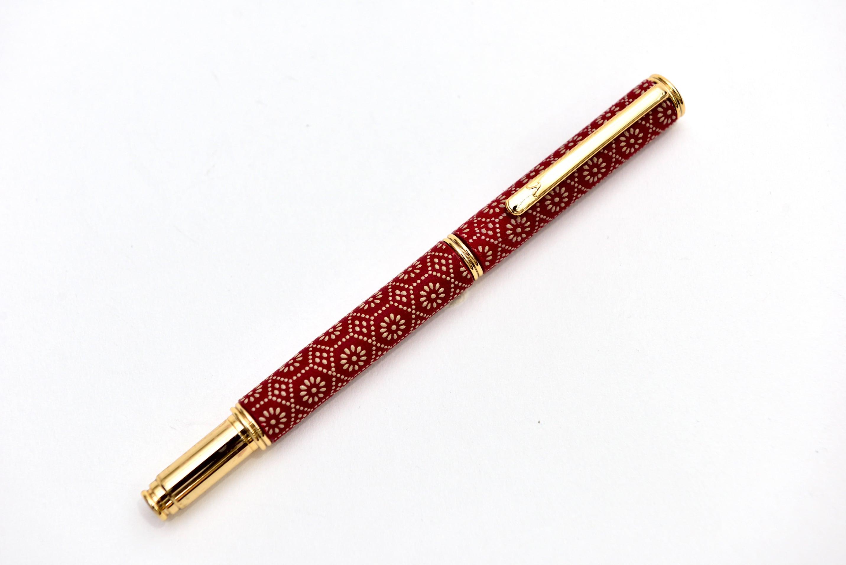 印伝万年筆 亀甲菊 赤革×白漆