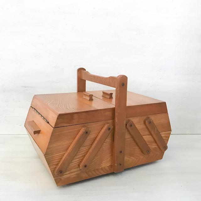 【R-638】木製裁縫箱