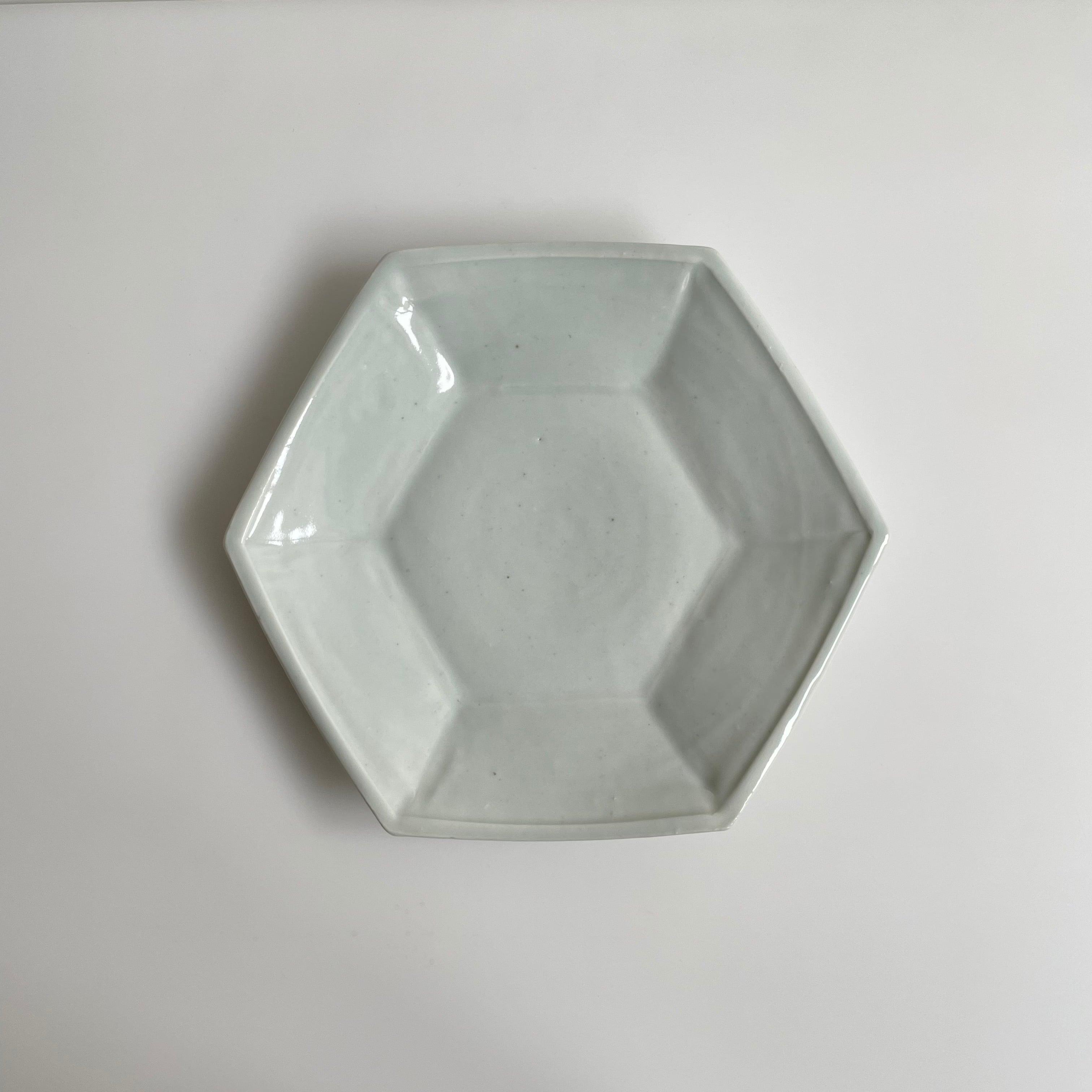 中尾万作  白磁六角皿 (ロクロ型)