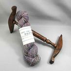 Th11)手染め羊毛使用紫系手紡ぎ糸(C1006)