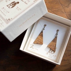 right triangle / 直角三角形(Pierced Earring Hang)