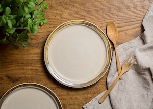 白マット・リムマンガン釉 7寸 プレート(リムプレート・中皿・22cm皿)/鈴木美佳子