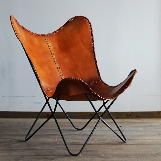 #02-04  Industrial butterfly chair