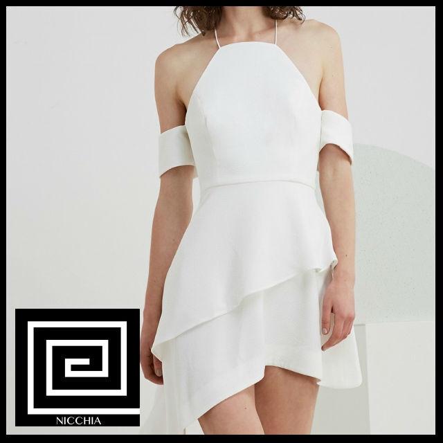 オフショルダーホルターネックドレス