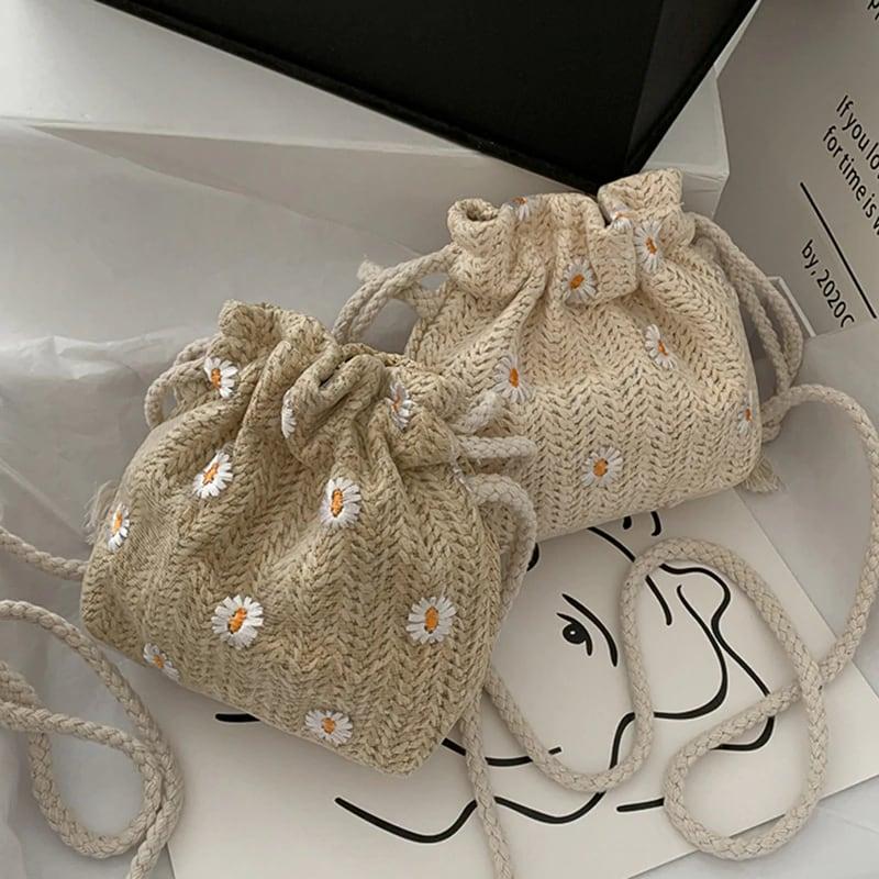 Daisy Straw Mini purse(white, khaki)
