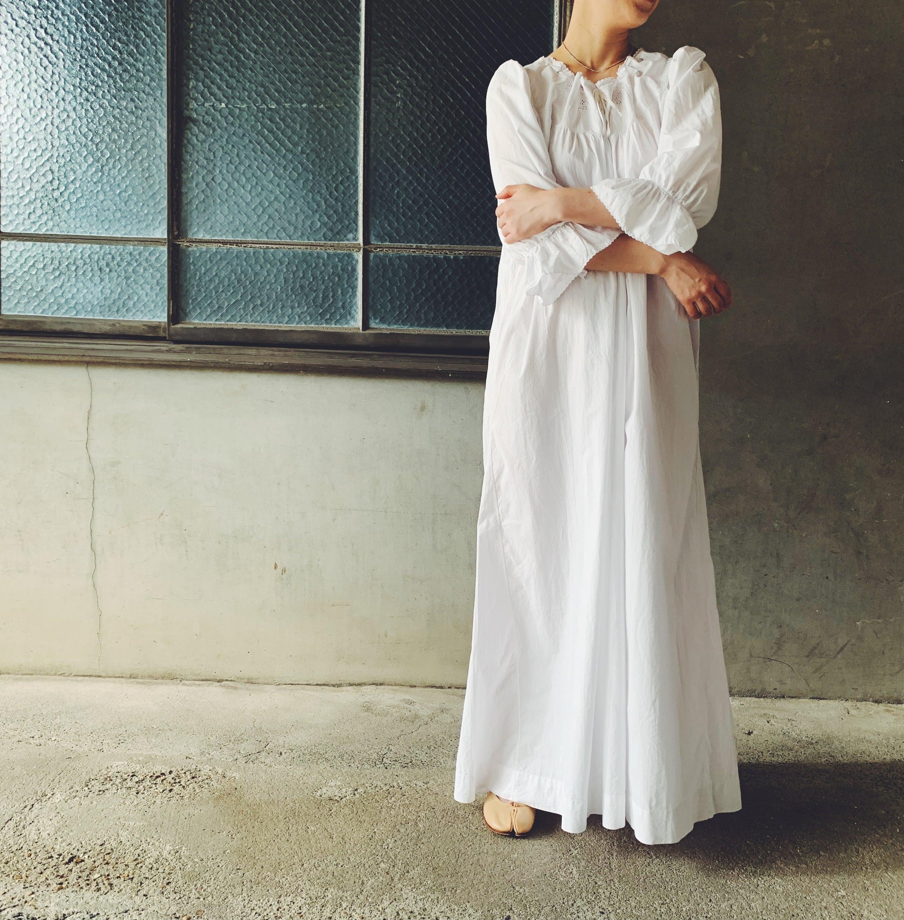French nightdress (A01-21-30)
