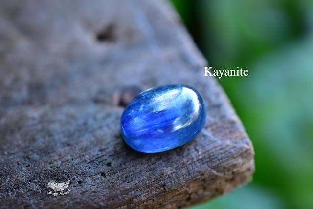 藍色の奇跡★高品質★カイヤナイト ルース カボション kya016