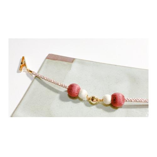 マグネットの羽織紐(ショール留め) -赤×白-