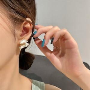 スウィート ファッション バタフライ 合わせやすい 銀 軽さ ピアス アクセサリー <ins-2013>