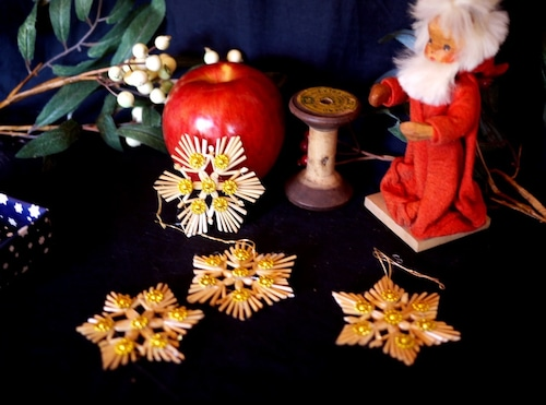 ドイツ クリスマス  ストロー藁飾りオーナメント 4つの星