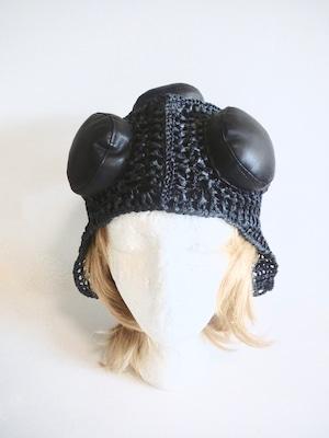 男女兼用・レザーライクのモード系帽子<57〜60cm>