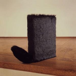尻尾が栞になるフワフワなブックカバー:Black Cat