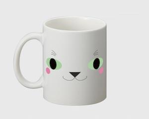 こっち見てるネコ顔のマグカップ マグカップ