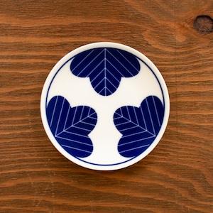 染付松縁起紋小皿