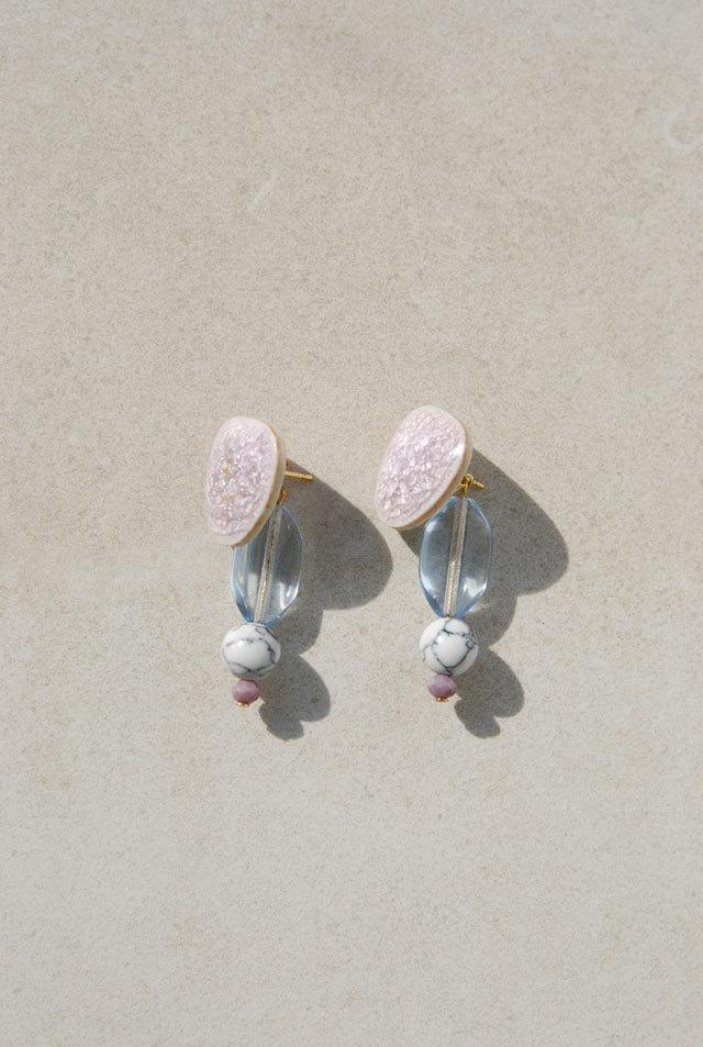 ピアス: 陶磁器タイル&ガラス 「耳たぶがひんやり」