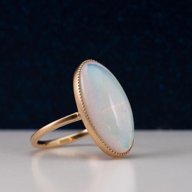 Opal ring / Oval milgrain