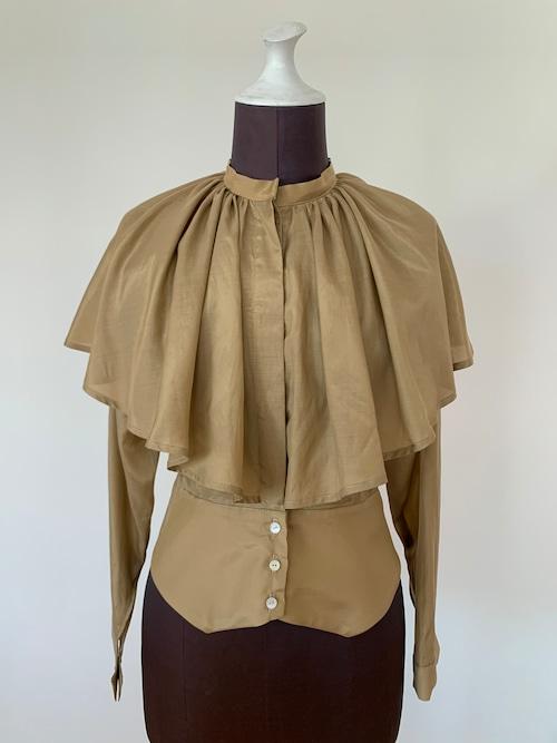 Cape collar blouse/Gold