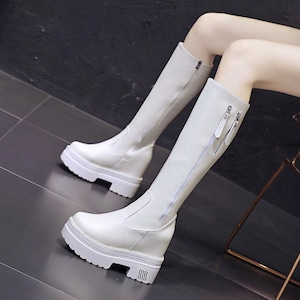 【シューズ】カジュアル丸トゥ厚底ロング丈ブーツ52388714