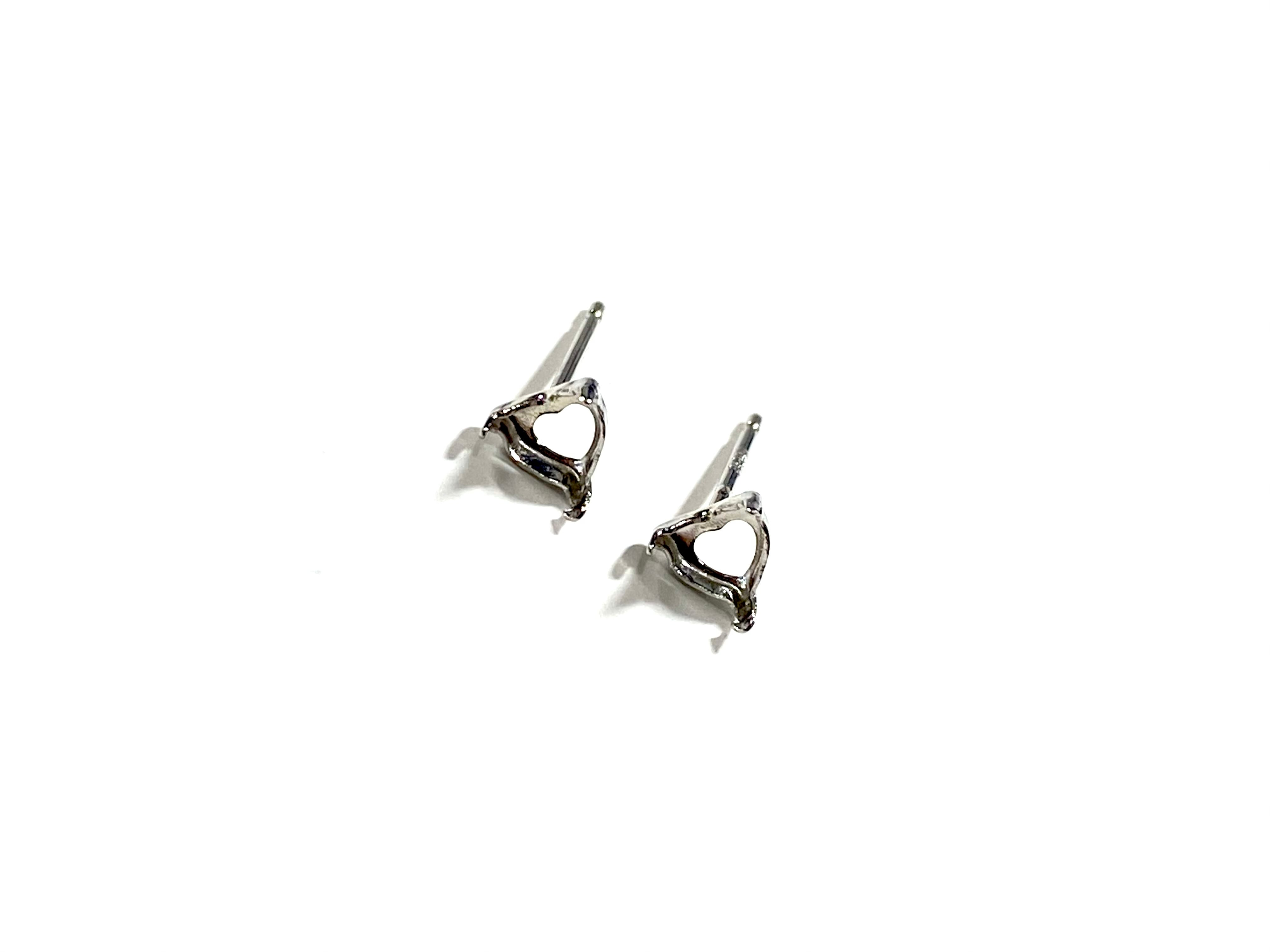 【K10WG】『タテヨコ3mm』ハートシェイプカット対応ピアス空枠 [空枠No,45]