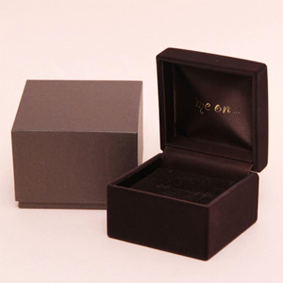 ★送料無料★【me on...】◆K10ホワイトゴールド◆ルビー&ダイヤモンド・ティアドロップ ネックレス