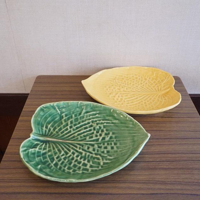 アメリカ・Eigen Arts工房 葉っぱの形のプレート2枚セット