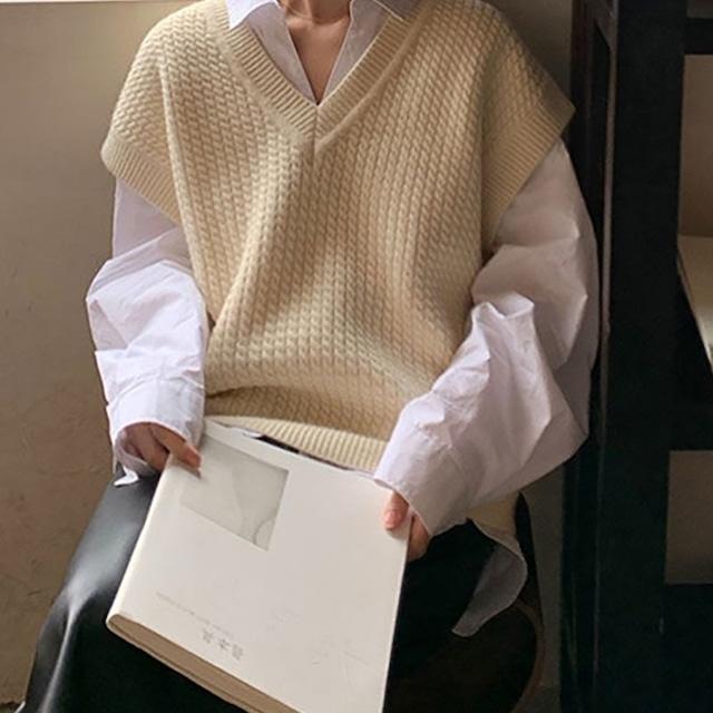 V neck knit vest KRE1020