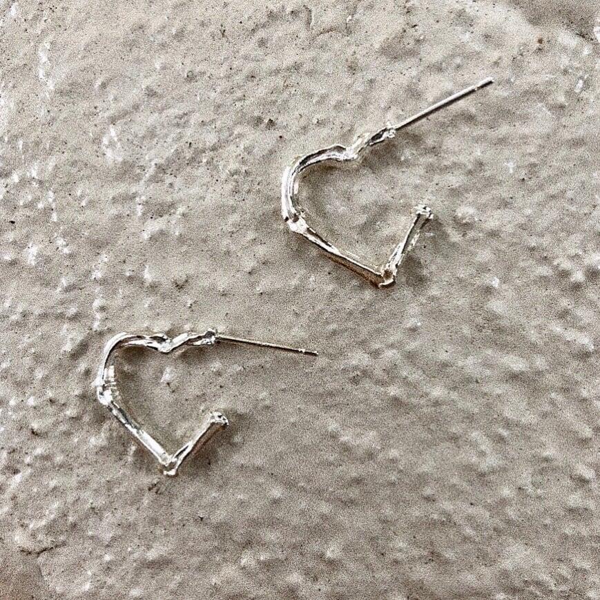 bone heart hoop EarringSILVER925 片#1826-sv 骨とハートのフープピアス/シルバー925
