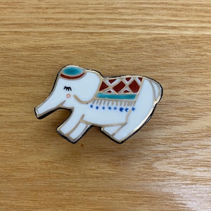 象(帯留・ブローチ)