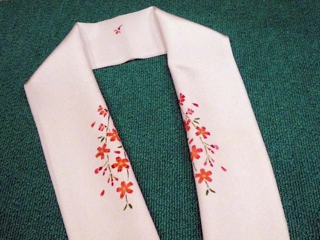 枝垂れ桜の半衿