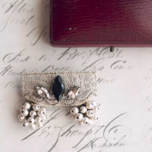 カーテンコール / ブローチ(silver×glass pearl)